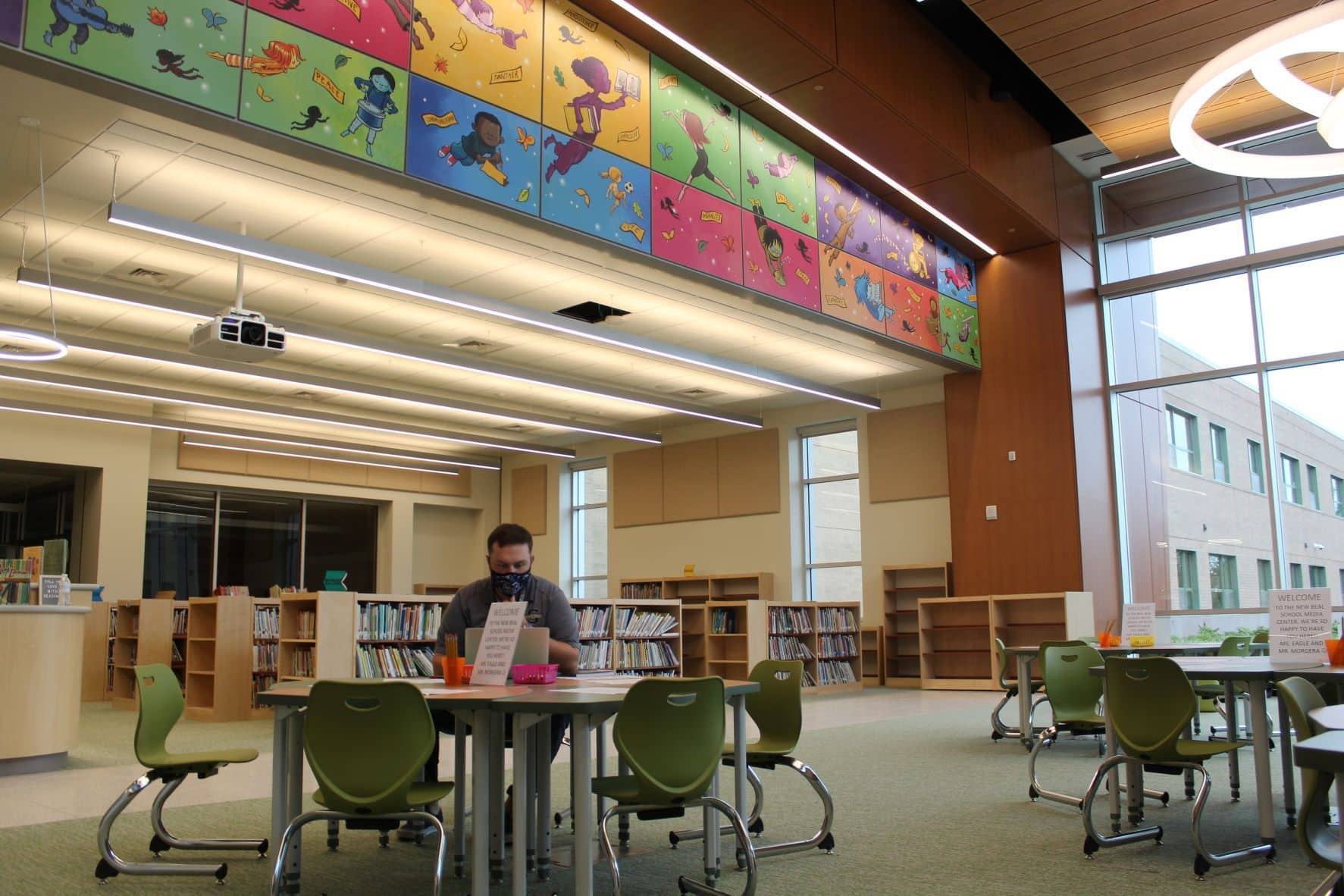 The library in the new Beal School