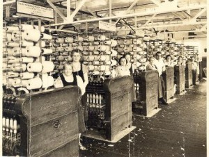 Workers at the Wuskanut Mill in Farnumsville.