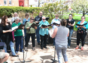 River's Edge Chorale sings Broadway show tunes. Photos/Ed Karvoski Jr.