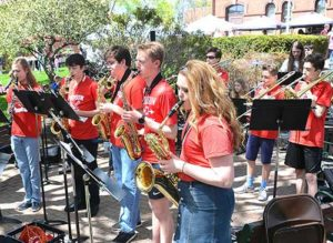 Hudson High School Jazz Ensemble performs outside the Town Hall. Photos/Ed Karvoski Jr.
