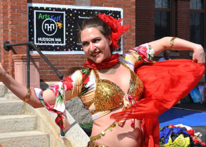 Jesse Jewels belly dances outside the Town Hall. Photos/Ed Karvoski Jr.