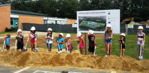Lincoln Street School students participate in groundbreaking ceremony  Photo/Bonnie Adams
