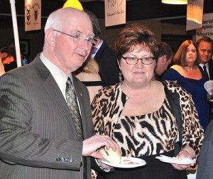 Steve and Linda Creamer sampled pulled pork sandwiches from a local eatery.