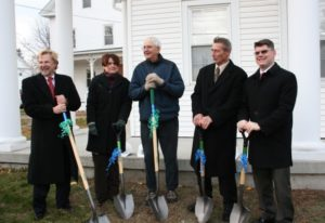 (l to r) Tim Firment, Habitat for Humanity MetroWest/Greater Worcester executive director; Rev. Valerie Schmidt, Trinity Church Pastor; Rick Leif, Northborough Planning Board chair; Bill Pantazis, Northborough Board of Selectman chair; and John Coderre, Northborough town administrator. Photo/Jane Keller Gordon
