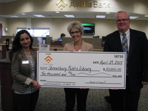 (l to r) Gargi Dutta Roy, Shrewsbury assistant branch manager of Avidia Bank; Ellen Dolan, executive director of the Shrewsbury Public Library; and Mark R. O'Connell, president and CEO of Avidia Bank. (Photo/submitted)