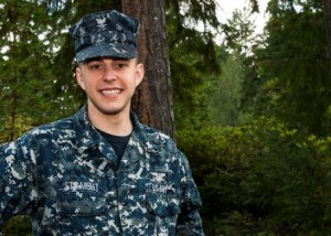 Petty Officer 3rd Class Joseph Straight (Photo/U.S. Navy Mass Communication Specialist Seaman Apprentice Andre T. Richard)