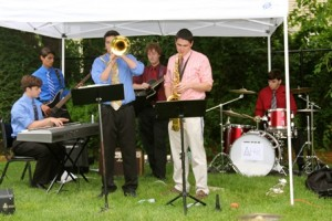 Local jazz ensemble, Evan's Attic, performed at the event.