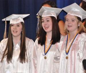 (l to r) Hannah Sullivan, Caitlyn Leonard and Kira Sommer sing