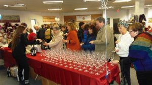 Guests line up for beverages. Photo/Bonnie Adams