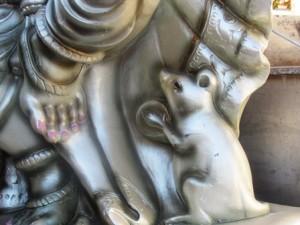 W Ganesh 2 rs