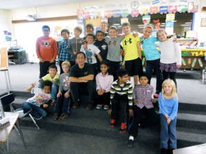 Greg Tang with Tom Salvemini's third-grade students at Hasting Elementary School. (Photos/Nance Ebert)