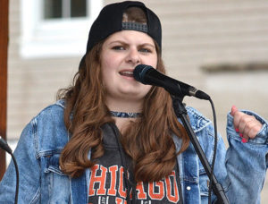 Country-pop singer Lyssa Coulter entertains on the bandstand. Photos/Ed Karvoski Jr.