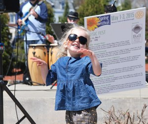 Emerson Tumeinski, 2, dances to tunes performed by the Worcester Jazz Collective at the bandstand.